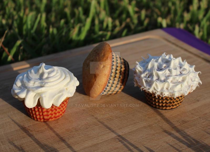Mini Cupcakes by Savaliste