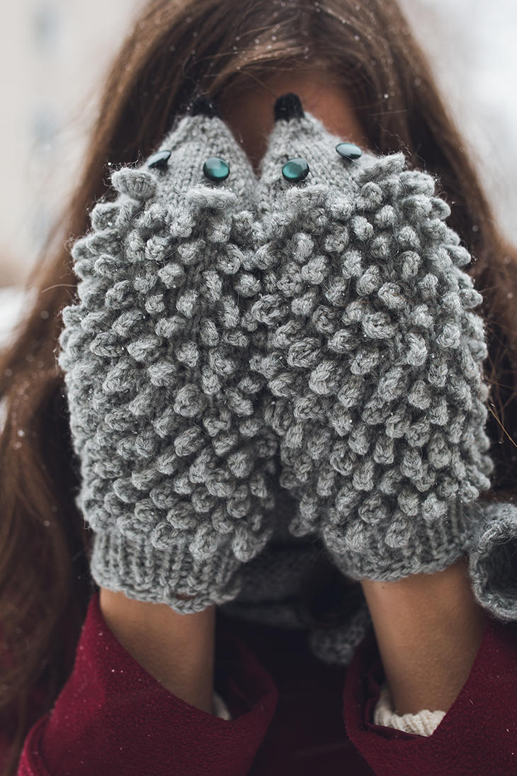 Curly Hedgehog Mittens by NatalieKnit on DeviantArt