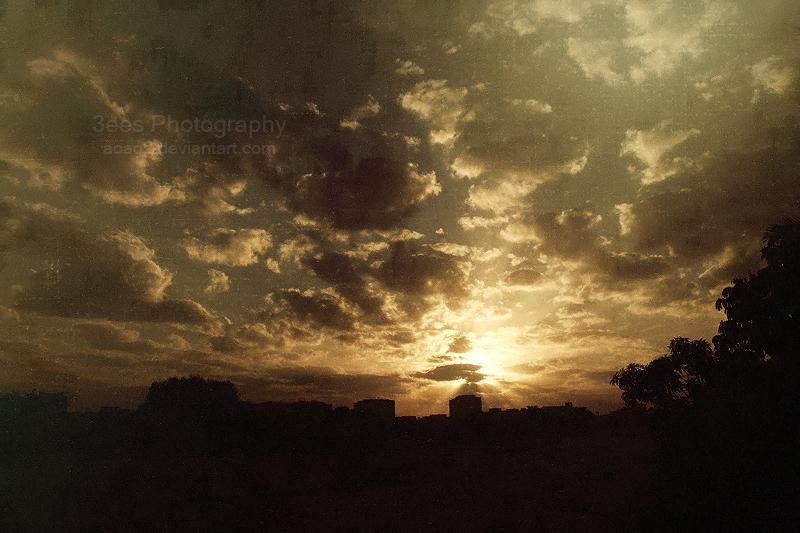 Dark sunrise by aoao2
