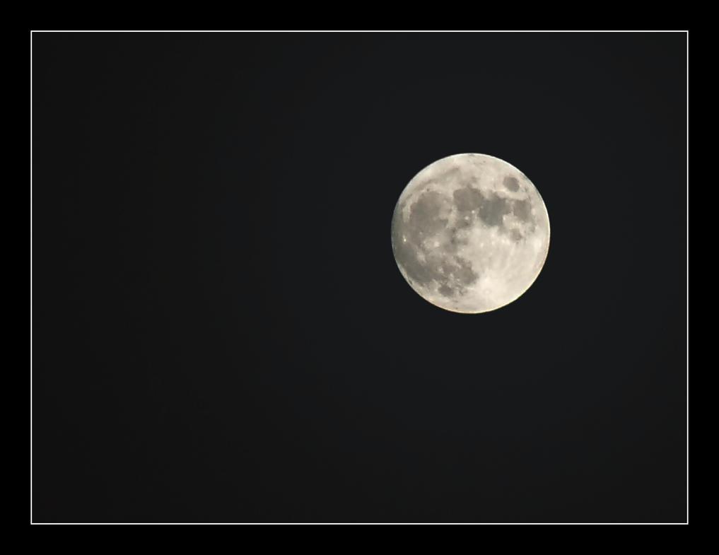 Moon by plenTpak