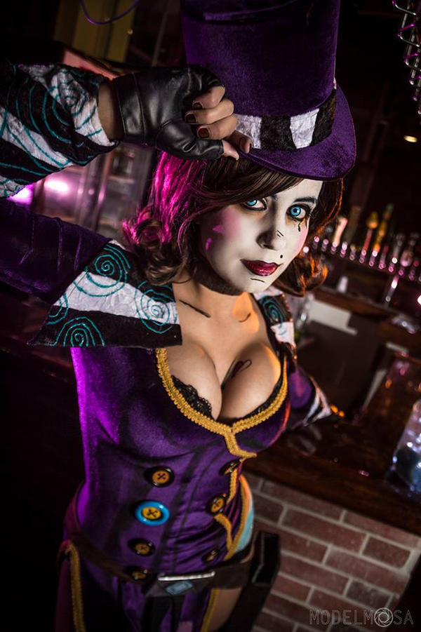 Mad Moxxi Cosplay   Wh...