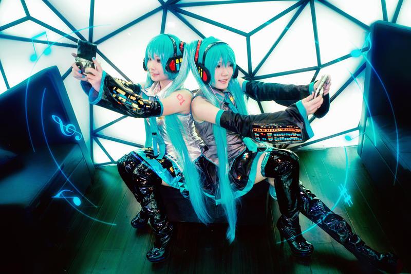 Hatsune Miku - Double Melodies by nyaomeimei