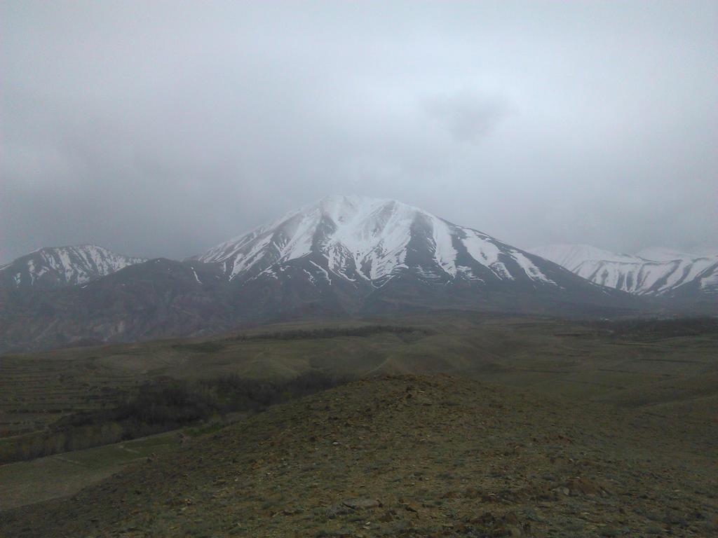 Kiamaki Mountain by ErfanB