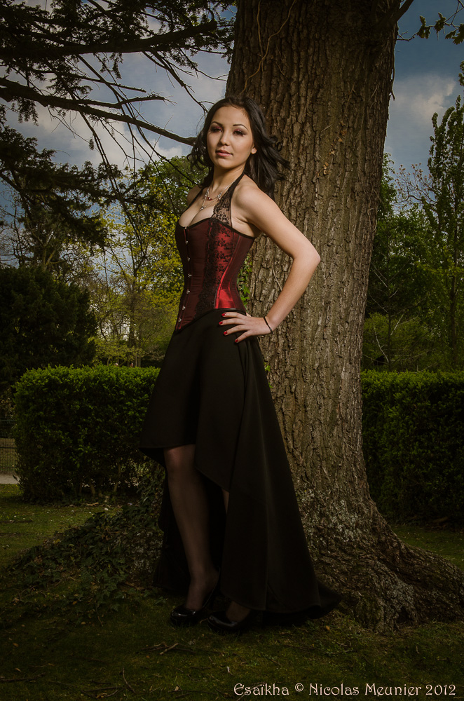 Black Madeleine Vionnet crepe skirt and corset by Esaikha