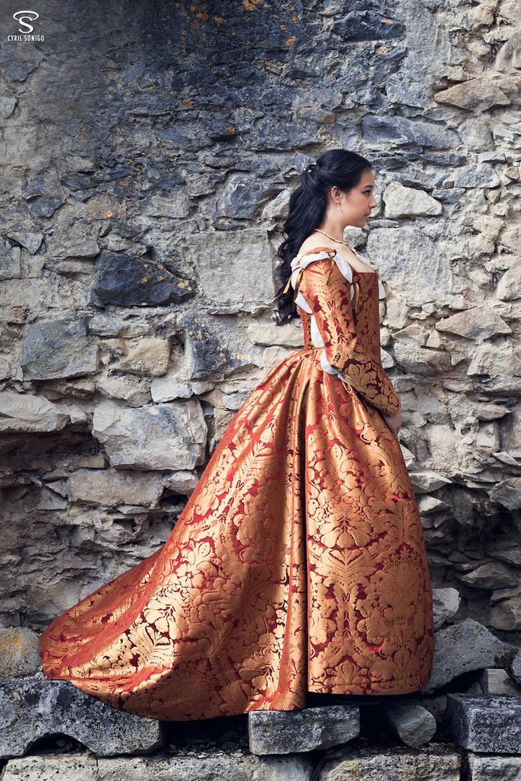 Florentine Renaissance Gown by Esaikha