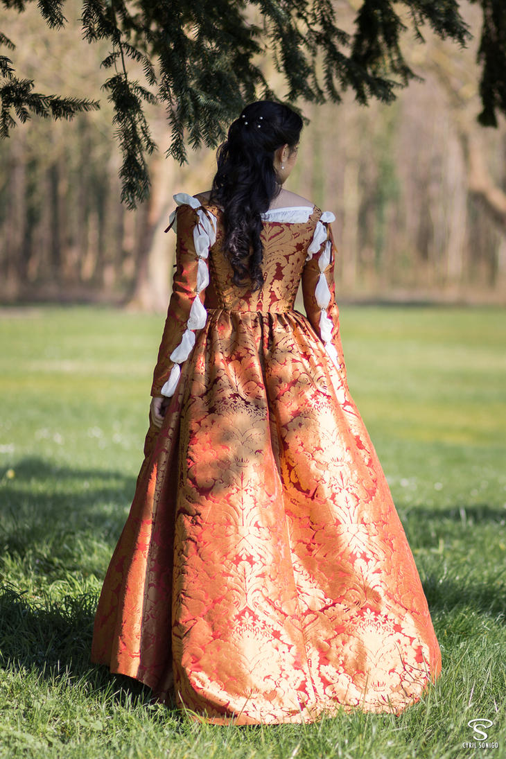Italian florentine renaissance dress by Esaikha