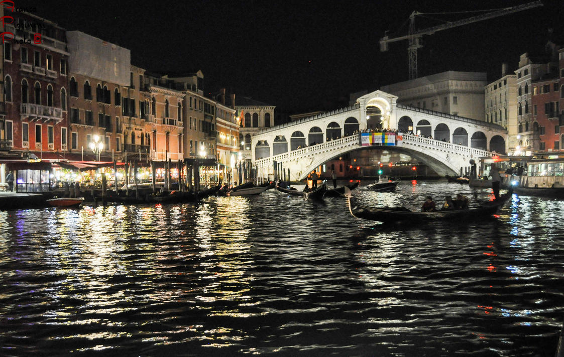Rialto bridge by night by lailalta