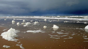 Stormy weather on the North-Sea  (The Netherlands) by FractalCaleidoscope