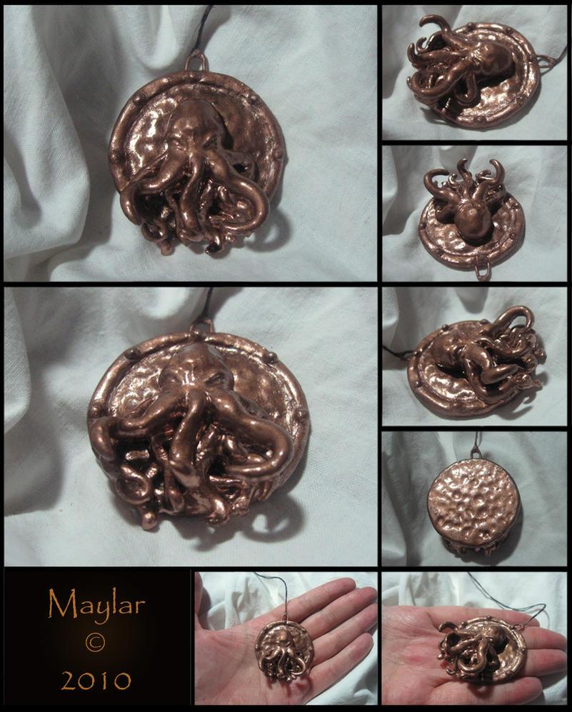 Cthulhu Medallion by Maylar