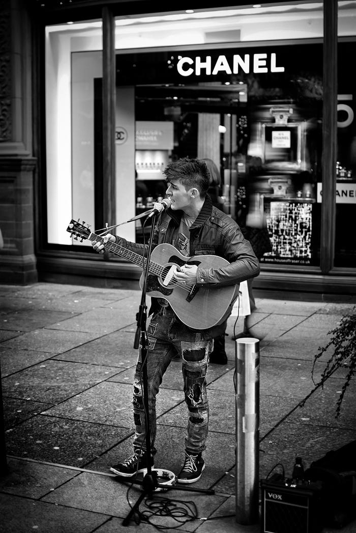 street singer by Radoslawgryglas