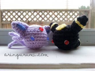 I feel almost cruel if there isn't an Umbreon to... - 53STITCHES | 250x333