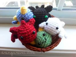 mini dragon charms by valeriarin
