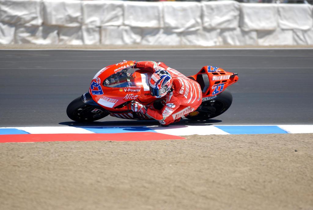 27 Casey Stoner Ducati MotoGP by Partywave