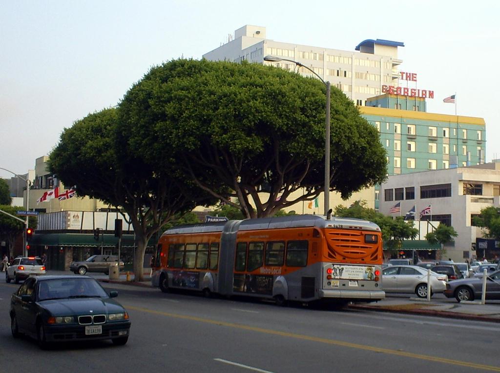 Santa Monica city bus rear by Partywave