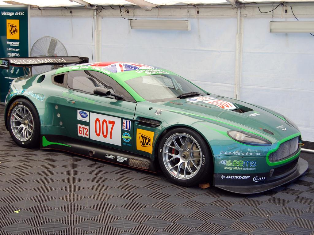 Aston Martin V8 Vantage Gt2 2008 Racing Cars