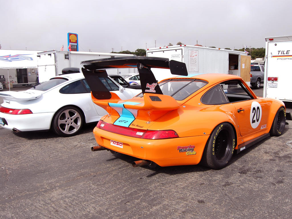 Porsche 911 GT2 Gulf colors by