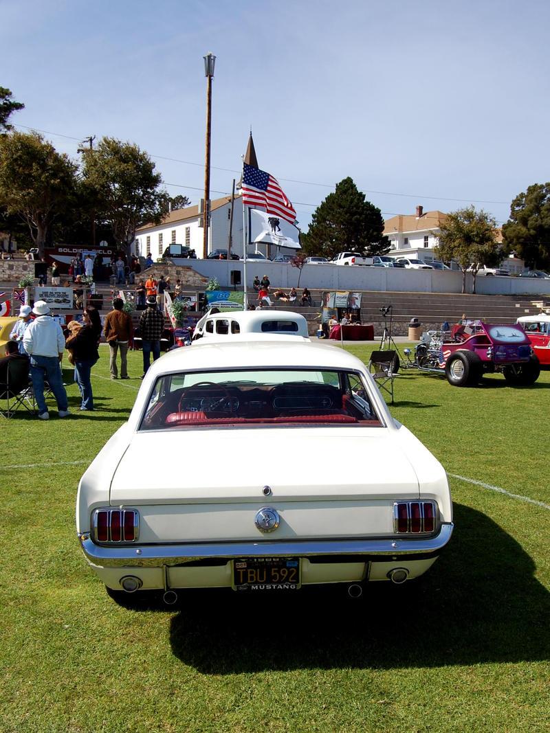 Chapel USA Flag Ford Mustang