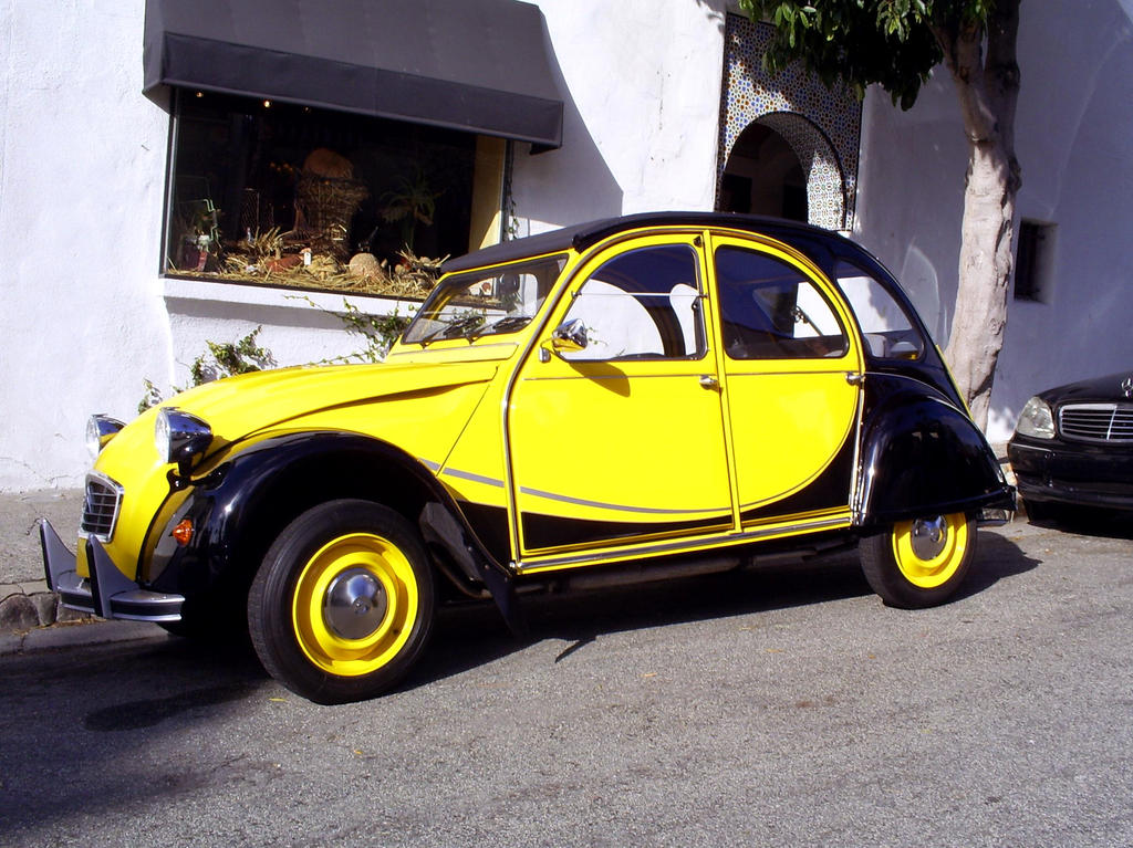 yellow black Citroen 2CV by Partywave