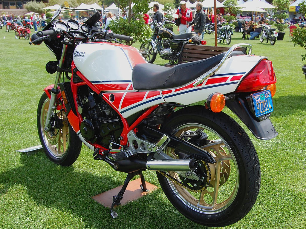 Yamaha rz350 roberts 2 stroke by partywave on deviantart for Yamaha 2 stroke