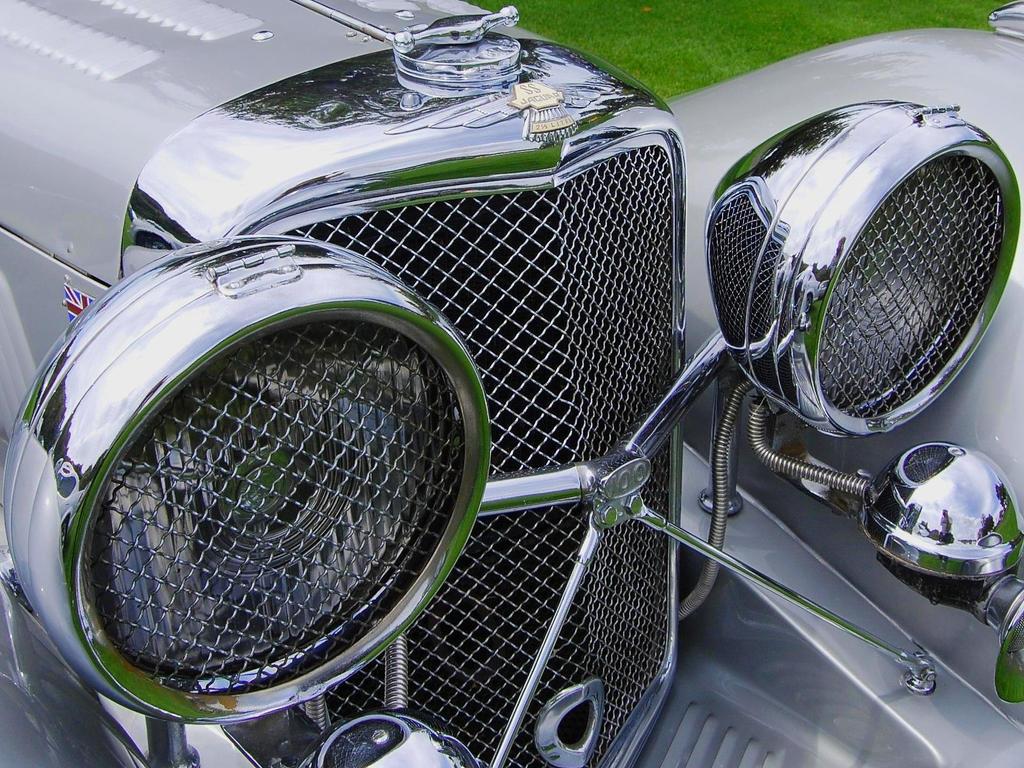 Jaguar SS100 sparkling chrome by Partywave