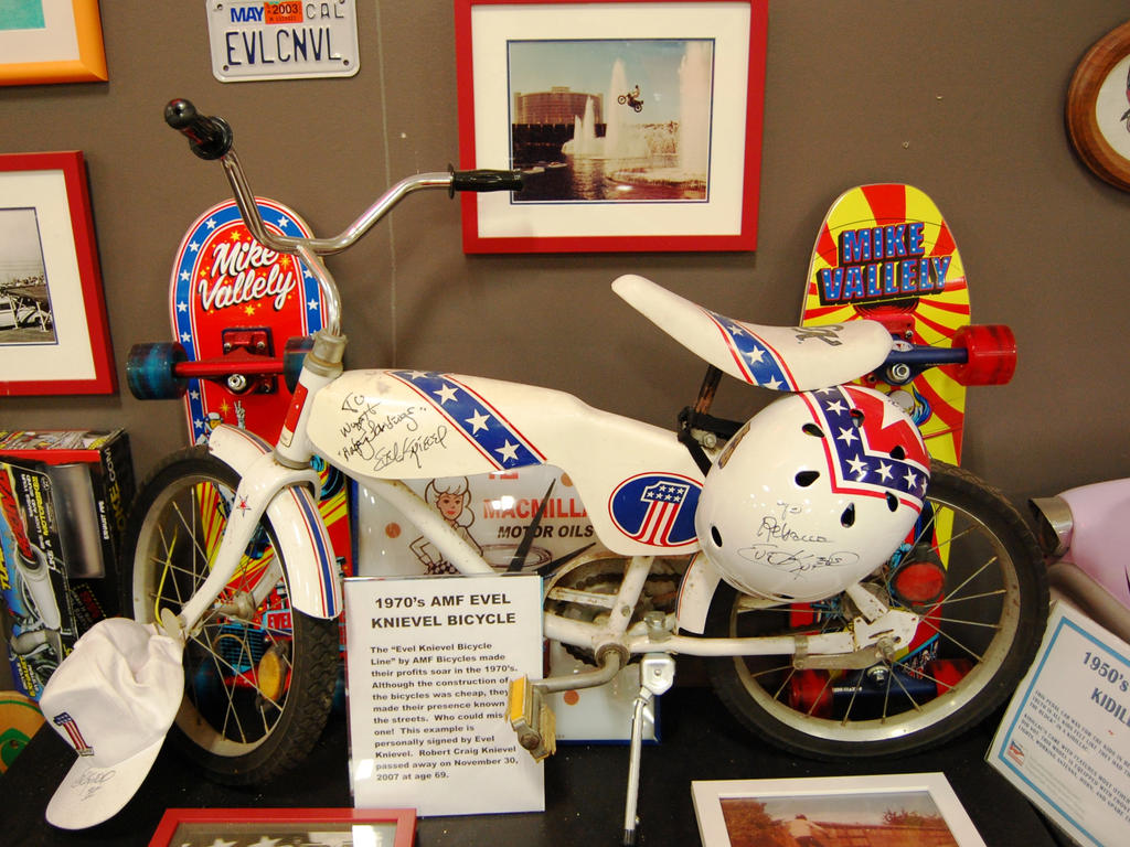 Autographed Evel Knievel bicycle MurphyAutoMuseum by Partywave