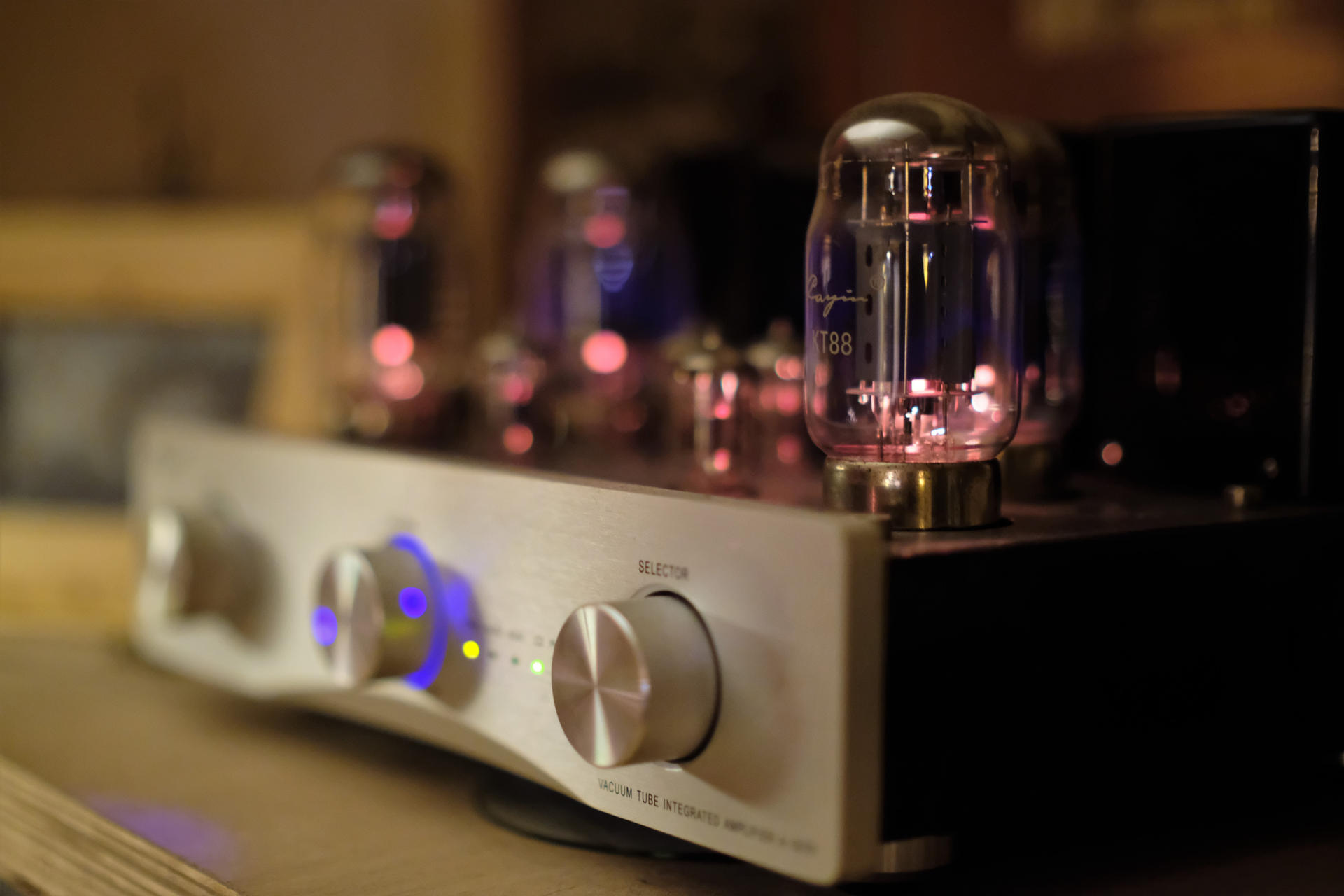 Chinese tube amp by Chinese lens at F0,95 aperture