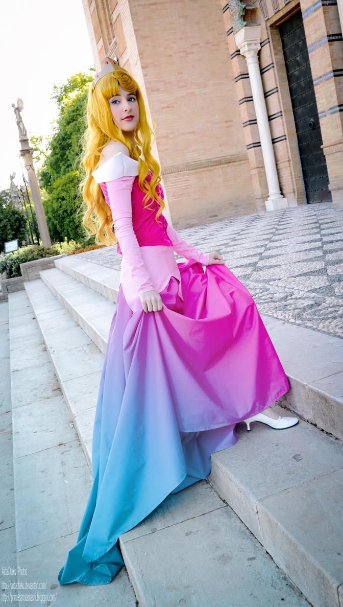 Sleeping Beauty - Pink or blue by AidaOtaku