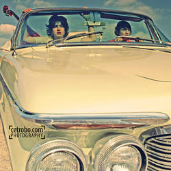 GIRLS ON THE ROAD