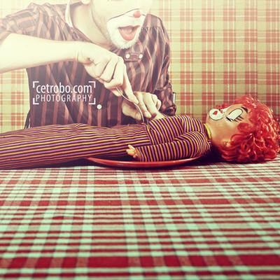 eating a clown by cetrobo d48c6s8 - Avatar M� Ar�yorsun ? T�kla