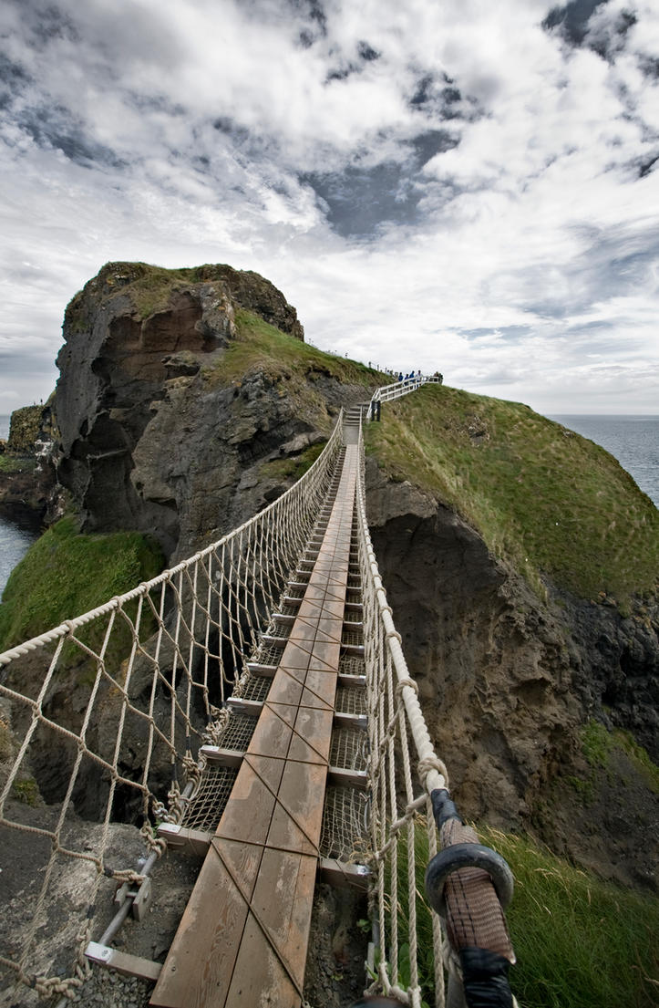 Carrick-a-Rede Rope Bridge by filth666