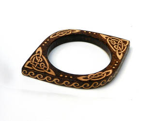 Wooden Celtic thin bangle bracelet pyrography by YANKA-arts-n-crafts