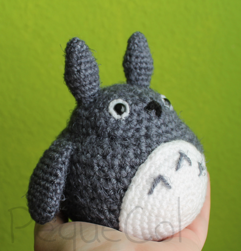 Tuto Amigurumi Totoro Francais : Totoro amigurumi! 2 by PequeCol on deviantART