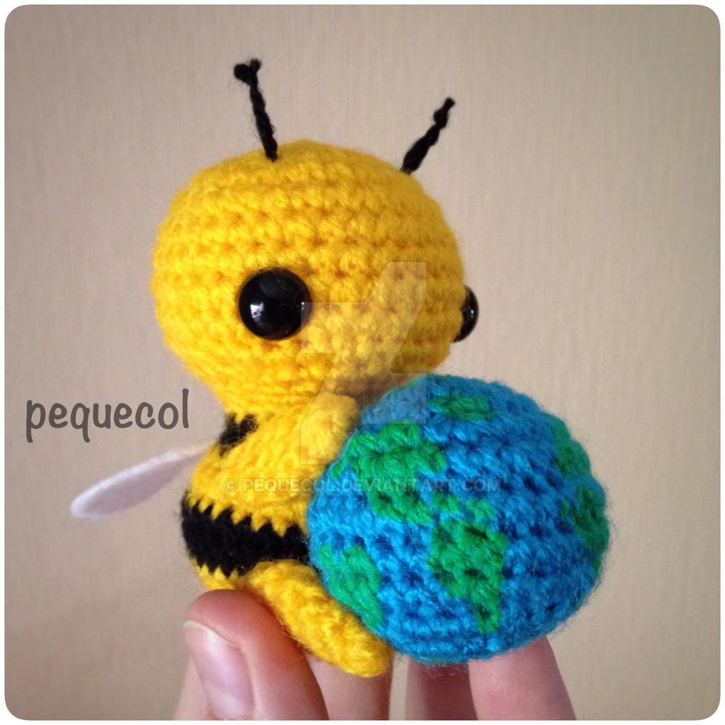 Bumblebee Kawaii Cuddler™ - Free Crochet Pattern | Crochet bee ... | 1024x1024