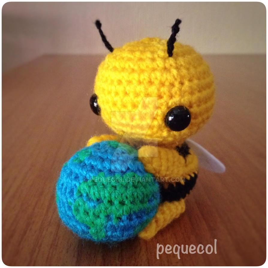Amigurumi Bee : Little kawaii bee amigurumi by PequeCol on DeviantArt
