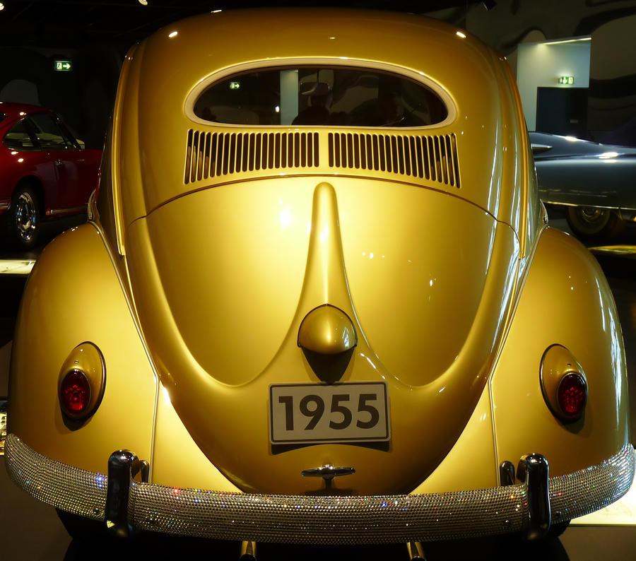 golden VW by Dieffi