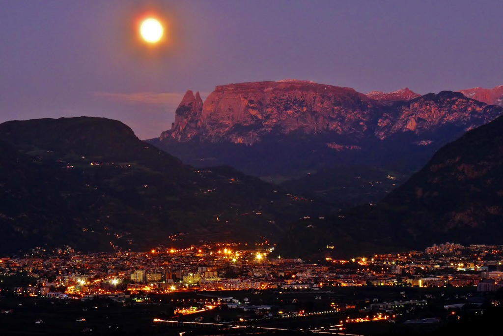 moon over Bozen by Dieffi