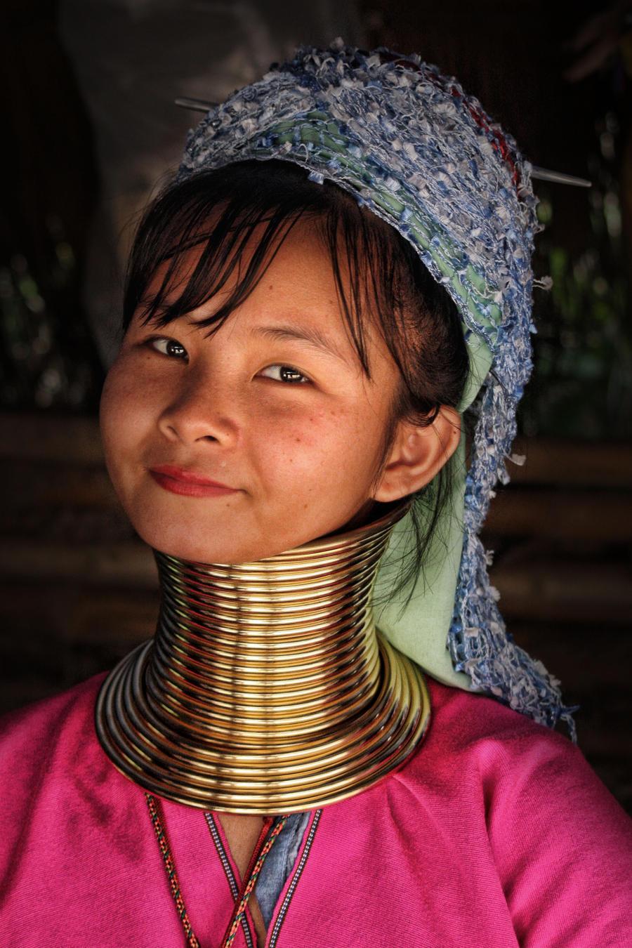 Long Neck Woman by stinebamse