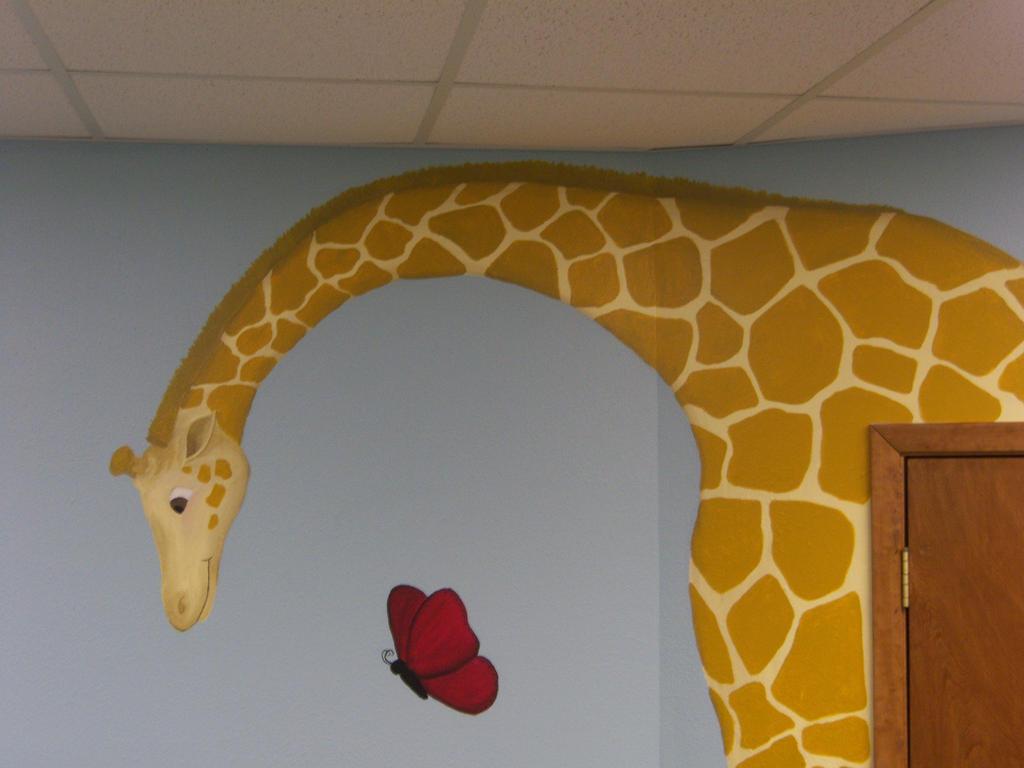 Mural: Giraffe by j2starshine