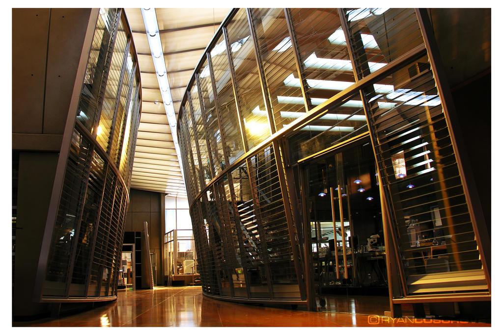 Laboratorios de Alquimia (e invernaderos) Csi_miami_lab_hallway_no_02_by_red5