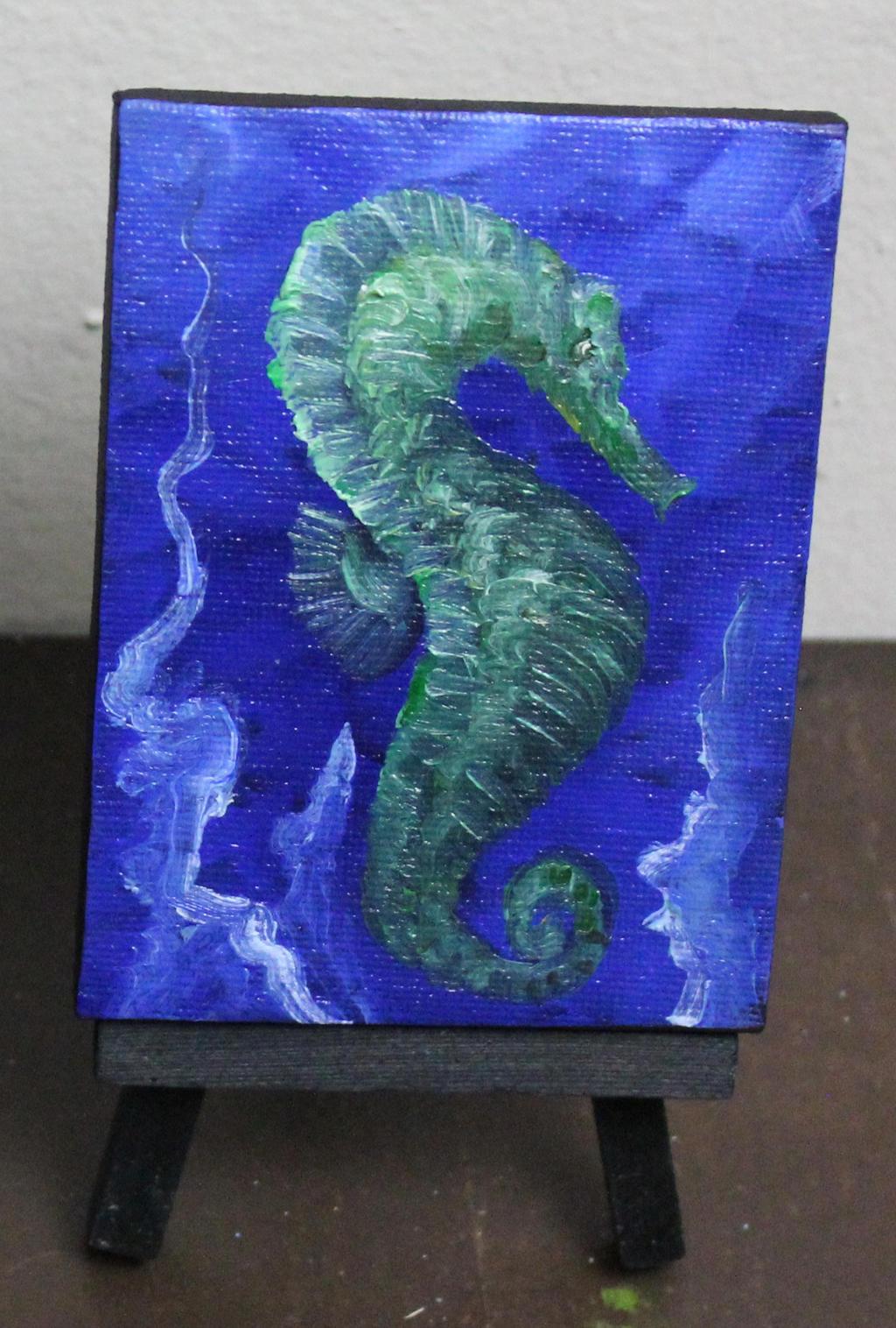 Mini Seahorse by crazycolleeny