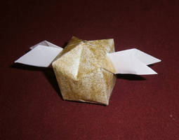 Golden snitch - origami by Lola22