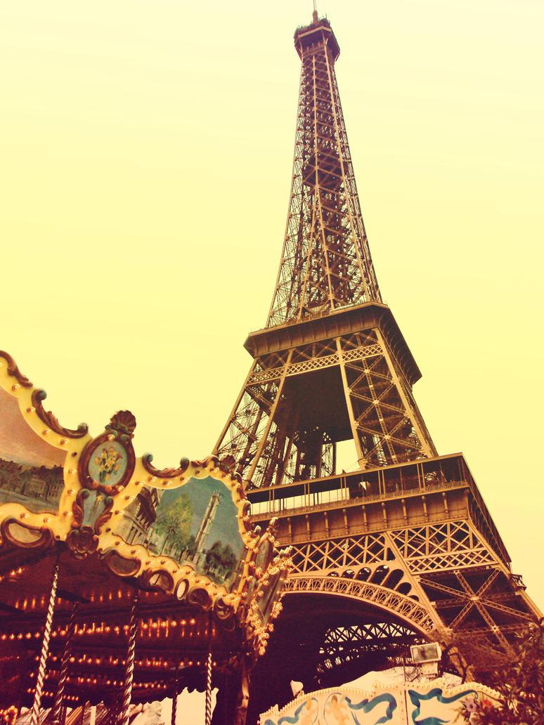 Mystere A La Tour Eiffel