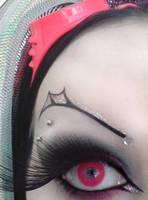 Eye spy by GrotesquePuPPyMeow