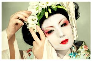 Geisha OO8 by EmbryonalBrain