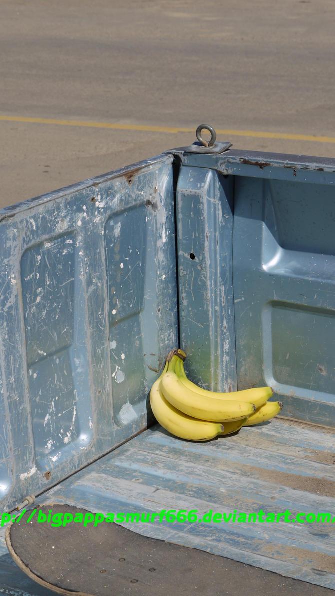Urban Bananas by BigPappaSmurf666