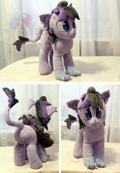 OC Plush Comission by buttsnstuff