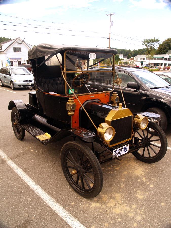Model T I believe? by davincipoppalag