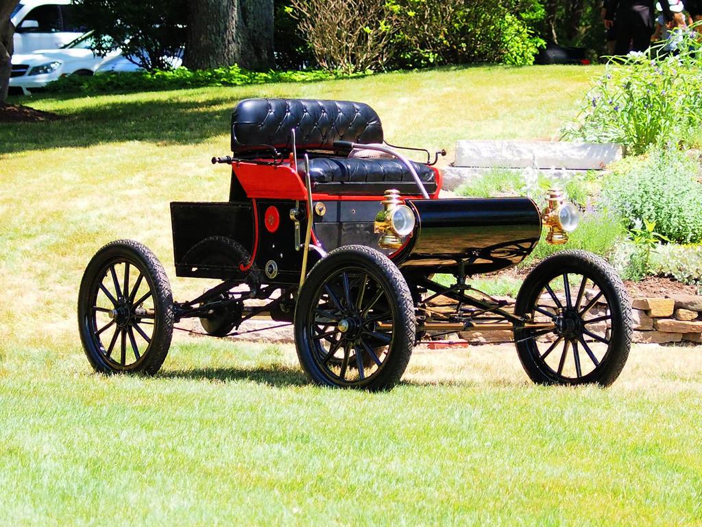 1901 Oldsmobile Curved Dash by davincipoppalag