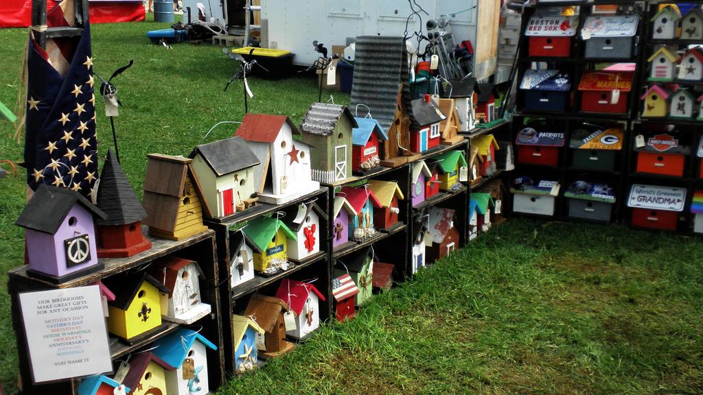 Colorful birdhouses by davincipoppalag