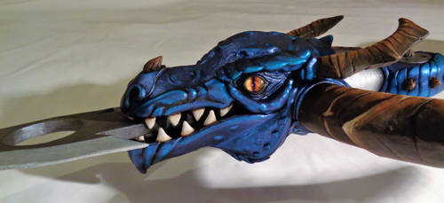 LEAGUE OF LEGENDS - DRAGONSLAYER VAYNE'S WEAPON 3 by Priscillascreations